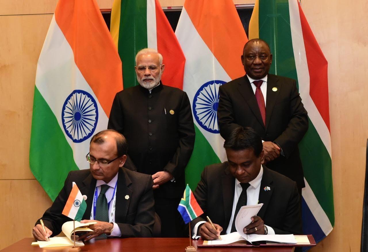SANSA and ISRO sign MoU during BRICS Summit